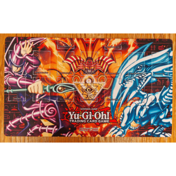 Iconic Monsters Playmat personalizzato